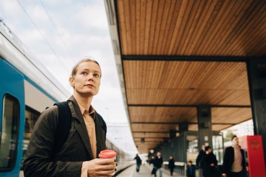 Persontågens punktlighet viktig för hållbara resor och transporter.