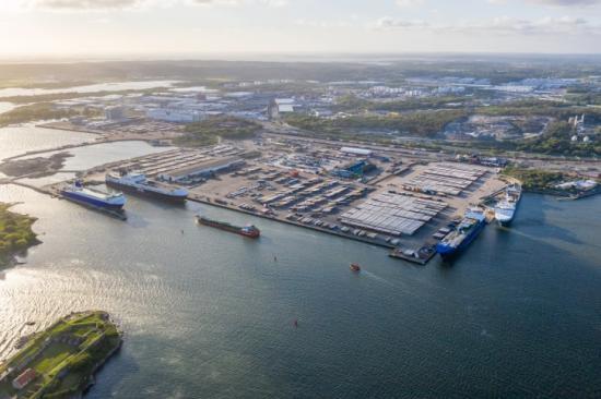 I Göteborgs hamns roroterminal är Brexitfrågan som mest aktuell. Terminalen har daglig UK-trafik med bl.a. råmaterial och komponenter till svensk industri, konsumtionsvaror och livsmedel. Till UK skeppas bl.a. stora mängder stål och papper.