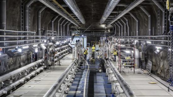 En bild från ombyggnaden av Henriksdals reningsverk, eftersedimenteringsbassäng till membranbassäng.