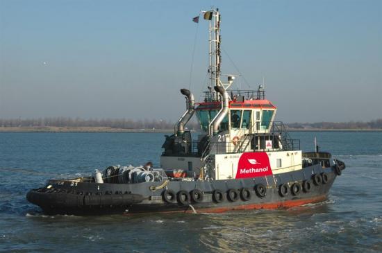 En båt från hamnen i Antwerpen.