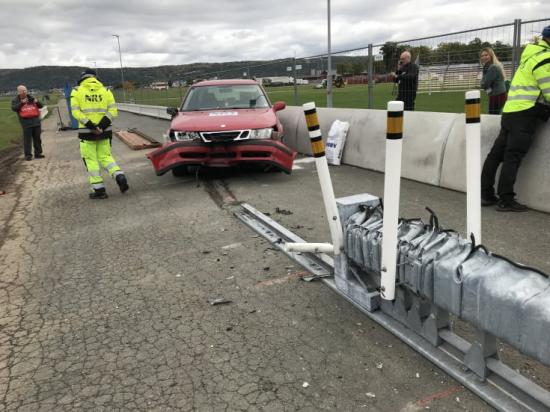 """""""Härifrån kan man nästan köra bilen efteråt"""", menade Anders Hamrin efter eftermiddagens krocktest."""