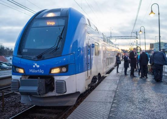 En vanlig arbetsdag reser 750 000 pendlare över en eller fler kommungränser i Stockholm-Mälarregionen för att komma till jobbet.